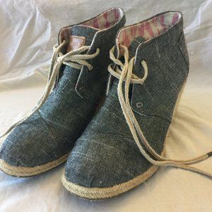 Toms Desert Wedge Navy Linen Lace Up Size 7